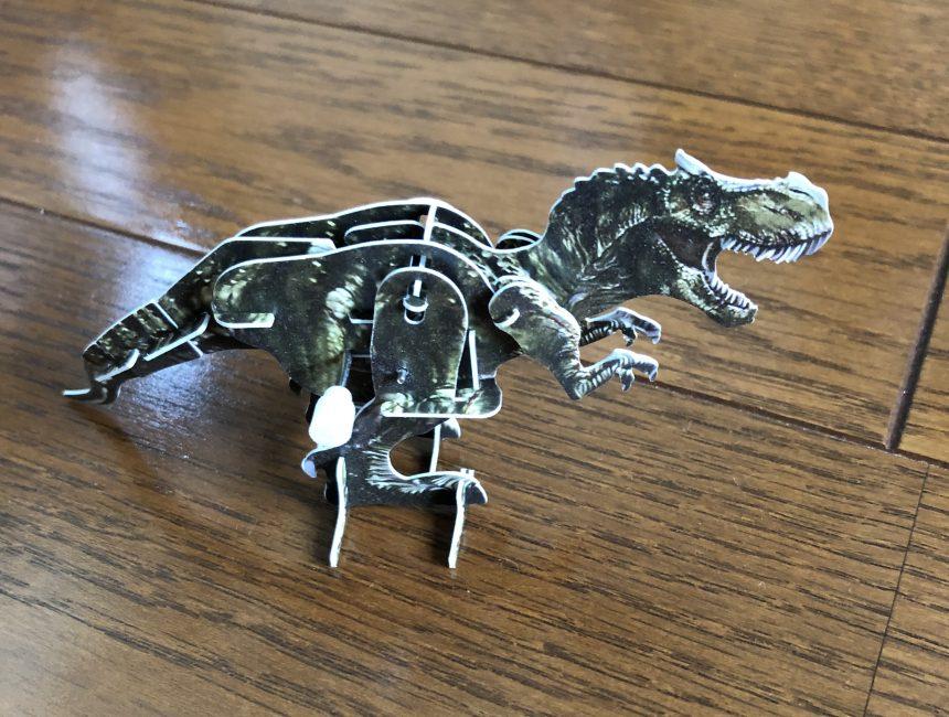 恐竜が歩く!ダイソーの「動く3Dパズル」
